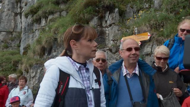 Fans wandern mit Francine Jordi