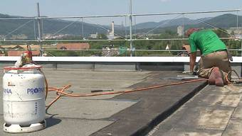 Auch Tage nach dem Grossbrand in Olten ist die Ursache für das Feuer noch nicht geklärt. Vieles deutet aber darauf hin, dass beim Hantieren mit dem Gasbrenner etwas schief gelaufen ist.