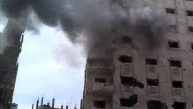 Der Rauch auf diesem Amateurvideobild in Homs könnte von erneuten Bombardements stammen