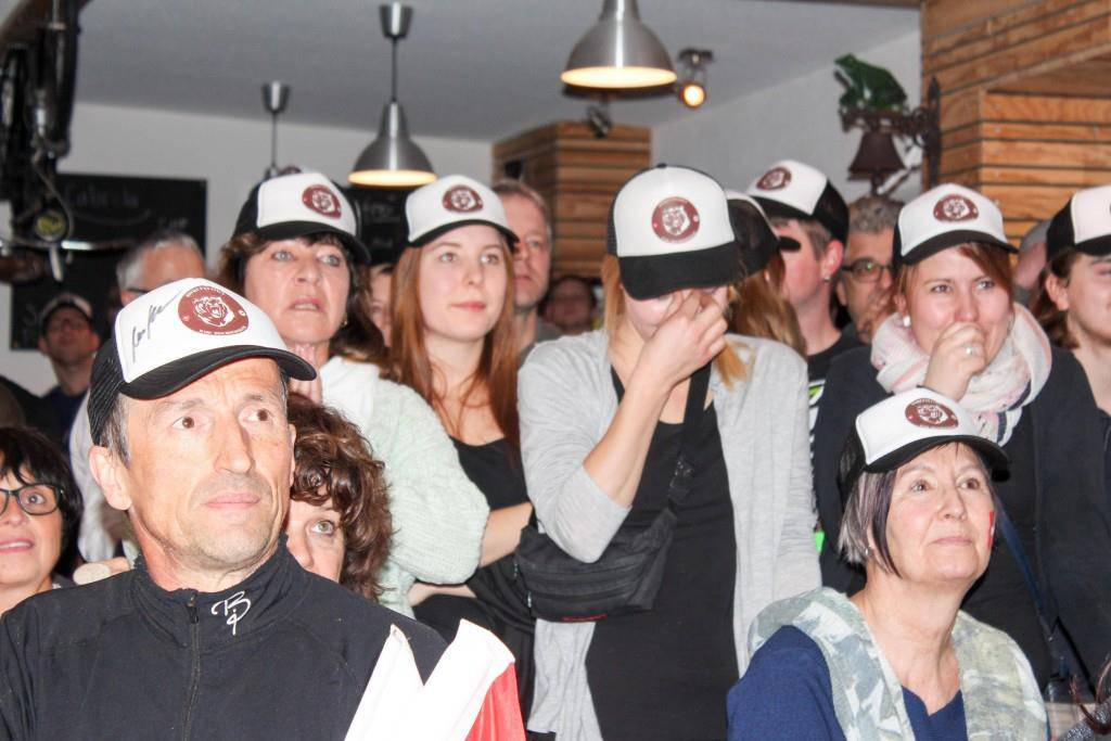 So fieberten die Fans von Marc Bischofberger mit (© FM1Today)