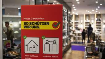 Nach der Coronakrise wollen Herr und Frau Schweizer weniger einkaufen – und wenn, dann lokal oder bei einem kleinen Geschäft. (Symbolbild)