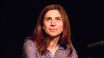 Am Auftakt der Brugger Literaturtage stellten sich die neun Autorinnen und Autoren mit einer kurzen Lesung vor: Eine von ihnen war Dana Grigorcea.