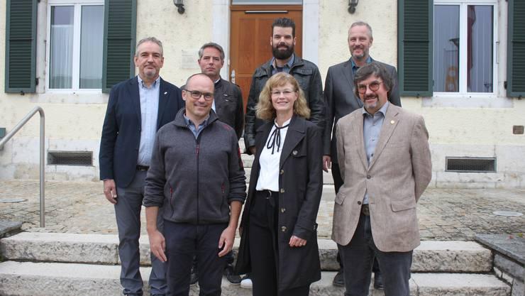 Der Lengnauer Gemeinderat ab 2020, von links, hinten: Peter Abrecht (FDP), Thomas Hübscher (SVP), AlexanderPfister (SP), Frank Huber (Junge SVP); vorne Marcel Frattini (FDP), Sandra Huber-Müller (SP) und Daniel von Burg (SP).