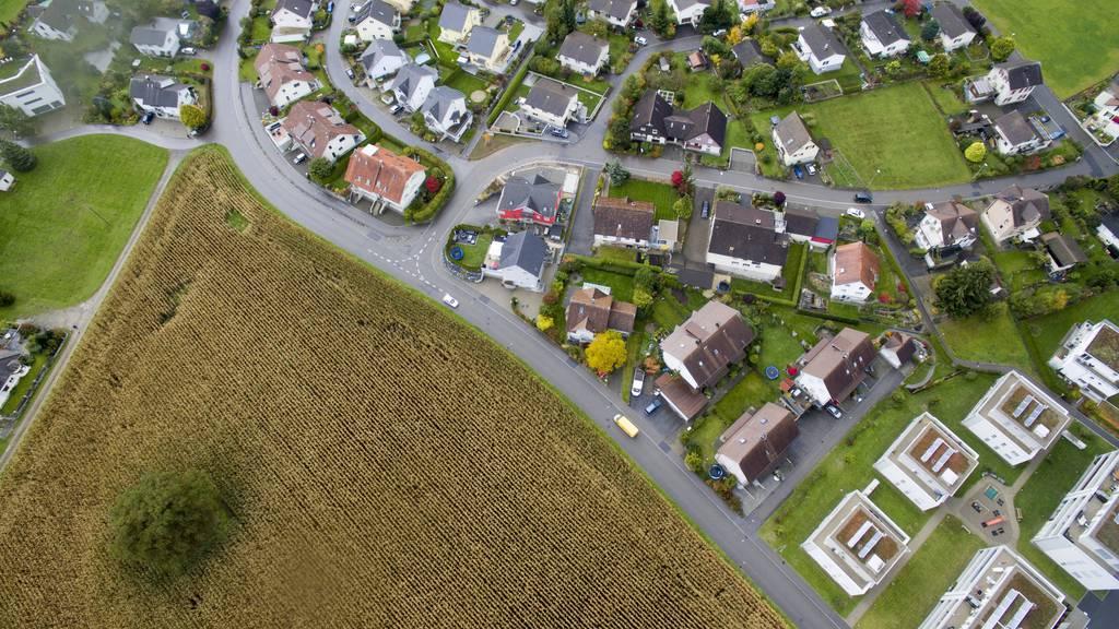 Drohnenaufnahme des Gebiets in Eschlikon wo der neue Trainingscampus des FC Wil geplant sein soll.