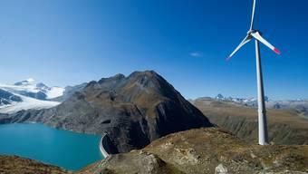 Das ewz soll in Windenergie, Wasserkraft, Sonne, Biomasse und Geothermie investieren. (Themenbild)