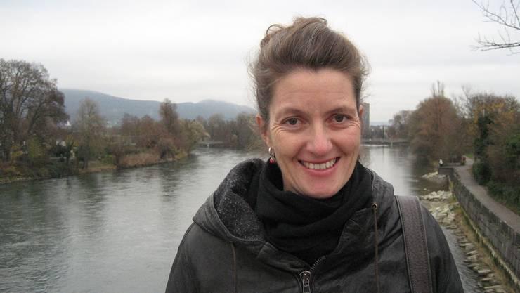Von Aarau nach Strassburg: Lelia Hunziker über dem Wasser, das via Aare und Rhein dorthin fliesst. kus