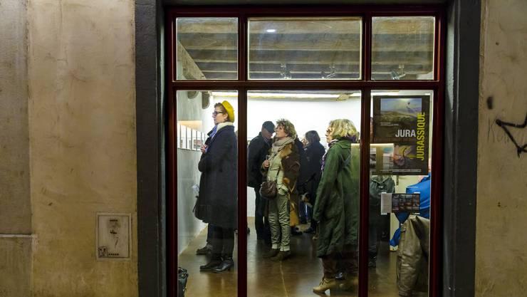 Ausstellungsbesucher in der Freitagsgalerie Imhof. (Archivbild)