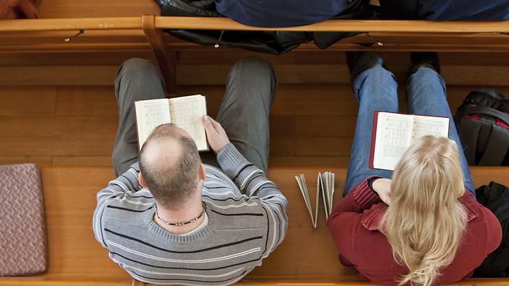 Der Pfarrerinnen-Streit von Fällanden beschäftigt nach wie vor die Gerichte. Nun hat das Verwaltungsgericht den reformiertne Kirchenrat für seine Kommunikation in dieser Sache gerüffelt. (Symbolbild)