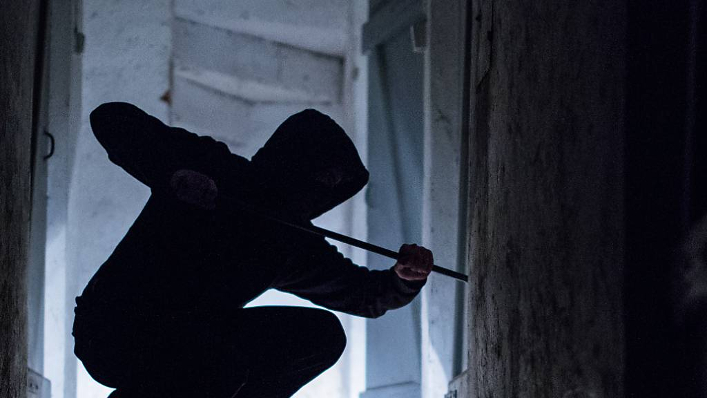 In Rorschach hatten es Einbrecher in den letzten Tagen auf Kellerabteile in Mehrfamilienhäusern abgesehen. Der Kantonspolizei St. Gallen wurden innert drei Tagen 20 Einbrüche gemeldet. (Symbolbild)