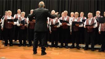 Die Chorgemeinschaft Däniken-Dulliken unter der Leitung von Roland Basler.