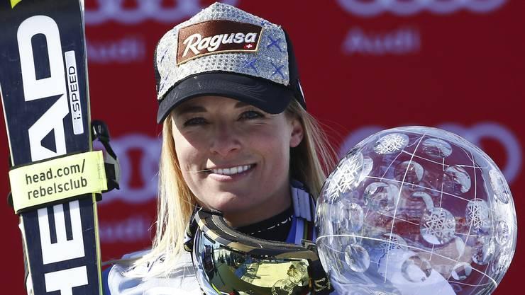 20. März 2016: Am Weltcupfinal in St. Moritz folgt das Highlight der bisherigen Karriere von Lara Gut. Sie ist 24 Jahre, 10 Monate und 22 Tage alt und erhält die grosse Kristallkugel für den Sieg im Gesamtweltcup.