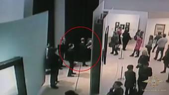 Ein Dieb nimmt inmitten der Museumsbesucher ein Gemälde im Wert von rund 175'000 Euro von der Wand und spaziert aus dem Gebäude.