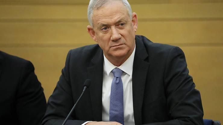 Ex-Militärchef Benny Gantz vom Mitte-Bündnis Blau-Weiss hat bis um Mitternacht Zeit, eine Regierungskoalition zu bilden. (Archivbild)
