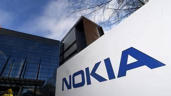 Der finnische Handybauer Nokia gewinnt in der Schweiz Marktanteile.(Archivbild)
