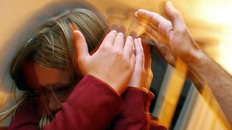 Die Situation ist eskaliert: Der Vater gab zu, seine Tochter in einem Fall geohrfeigt zu haben (Symbolbild).