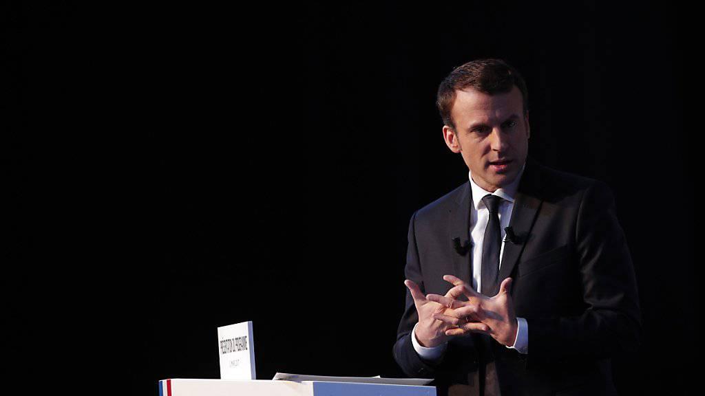 Der unabhängige Präsidentschaftskandidat Emmanuel Macron will in Frankreich Blockaden beseitigen.