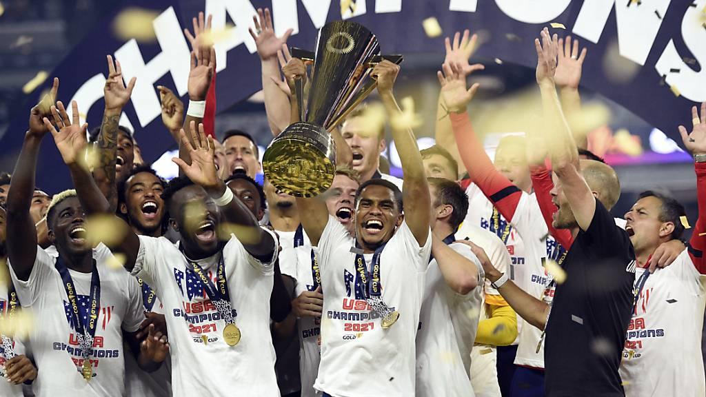 Die Amerikaner feiern ihren Triumph am Gold Cup