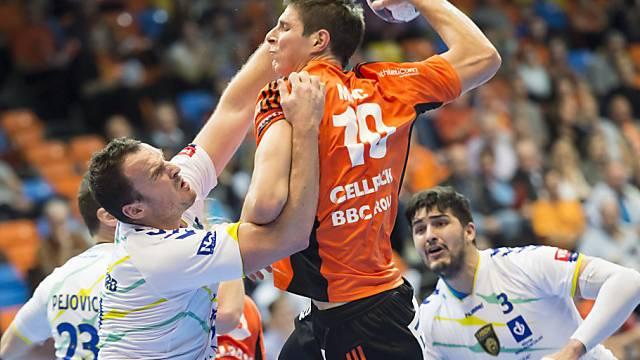 Der Kadette Marko Mamic kann nicht am Torwurf gehindert werden