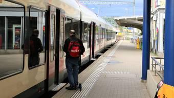 Heute verkehrt die S1 von Basel einmal pro Stunde nach Frick und einmal nach Laufenburg.