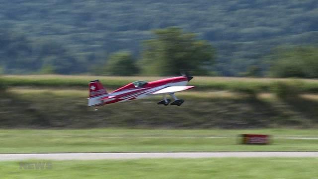 Spektakuläre Kunstflugmeisterschaft