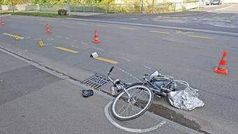 E-Bikefahrer bei Kollision mit Auto schwer verletzt
