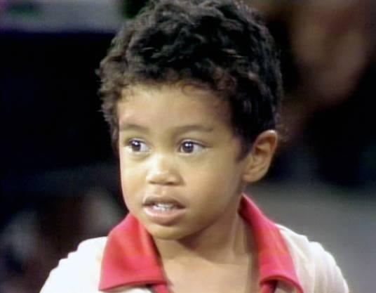 Schon als 2-Jähriger tritt die spätere Golfikone in einer Talkshow erstmals öffentlich auf.