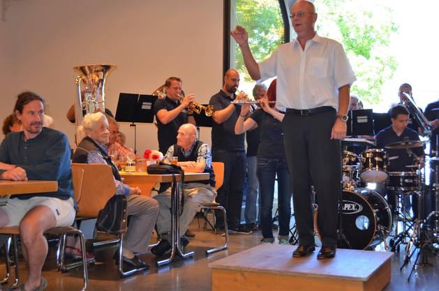 Jubilarenfeier mit Fischessen Harmoniemusik Rohrdorf in der Zähnteschüür in Oberrohrdorf. Dirigent Roland Zaugg.
