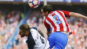 Atletico Madrid (hier mit Verteidiger Diego Godin, rechts) gegen Osasuna obenauf
