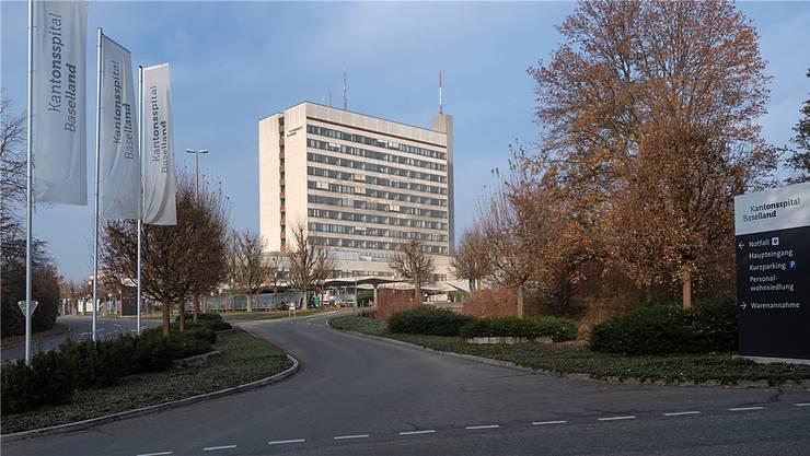 Ein Sorgenkind der regionalen Spitalpolitik: Das Kantonsspital Baselland auf dem Bruderholz.