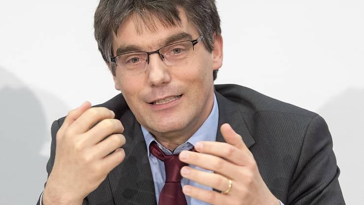 """SP-Nationalrat Roger Nordmann (VD) sieht die Energiestrategie als patriotisches Projekt. Wer sich dagegen stelle, verfolge die Devise """"das Ausland zuerst"""", sagte er vor den Medien in Bern."""