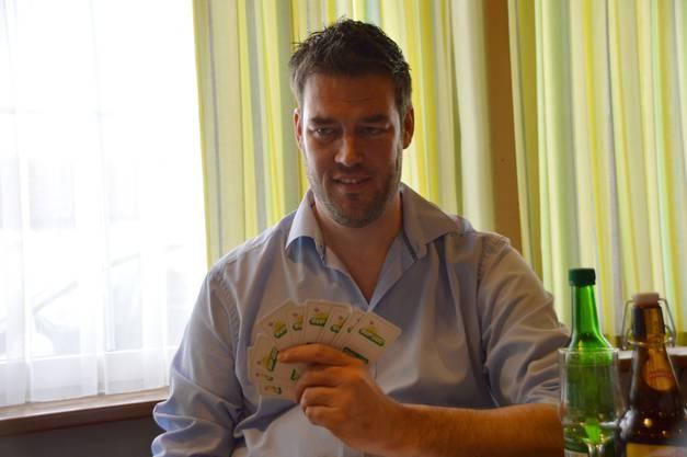 """Im Gasthof """"Zum Weissen Rössli"""" trafen sich 36 Spieler zum SVP-Jass. Mit dabei war auch Grossrat Christoph Riner aus Zeihen."""