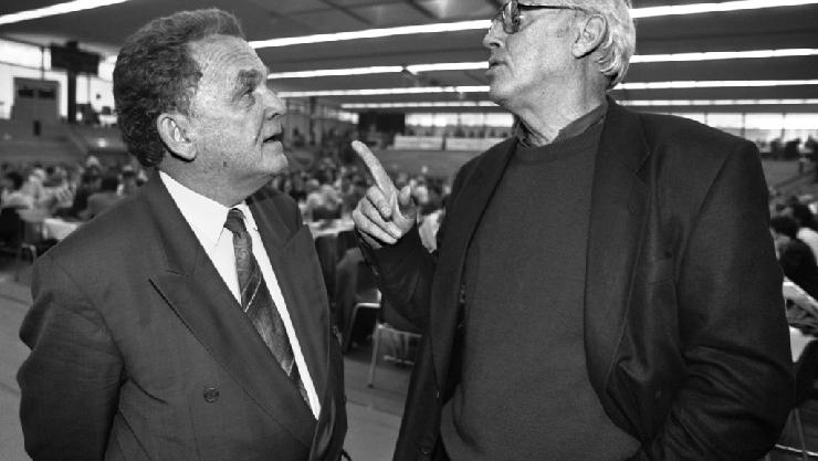 Bundesrat Otto Stich (links) und SP-Präsident Helmut Hubacher 1988.