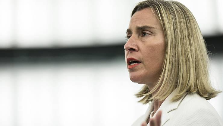 Die EU-Aussenbeauftragten Federica Mogherini erklärte, die EU werde weiter mit dem iranischen Aussenminister Sarif zusammenarbeiten. Es gelte, die diplomatischen Kanäle offenzuhalten. (Archivbild)