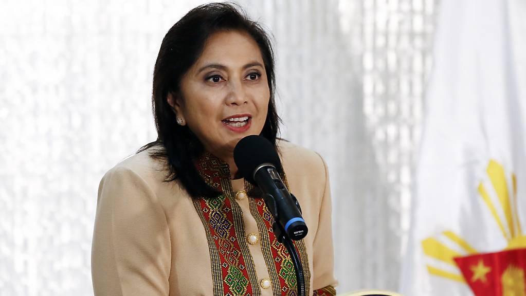 Die philippinische Vizepräsidentin  Leni Robredo ist Vorsitzende der grössten Oppositionspartei des Landes. Sie hatte das Vorgehen der Regierung im Kampf gegen illegalen Drogenhandel kritisiert.