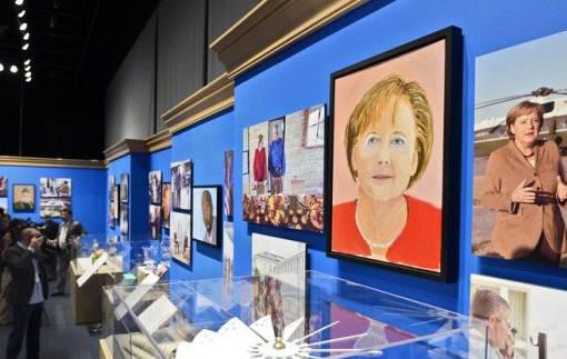 Man erkennt sie: Angela Merkel, gemalt von Bush (Keystone)
