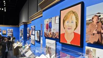 George W. Bush stellt Porträts von Staatsoberhäuptern aus