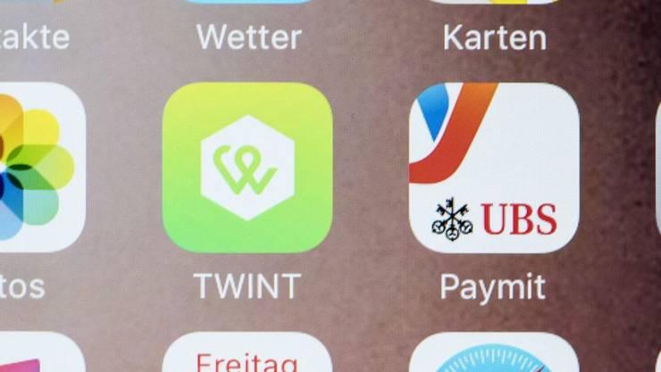 UBS ersetzt als eine der ersten Banken ihre eigene Handy-Bezahl-App mit der UBS-Twint-App. (Archivbild)