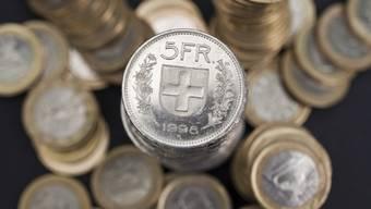 Welche Auswirkungen hat der starke Franken im Kanton? (Symbolbild)