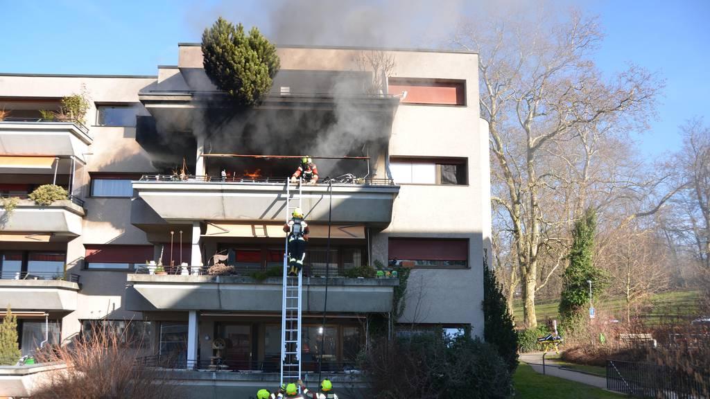 Wohnung in Flammen: Bewohner können sich selber retten