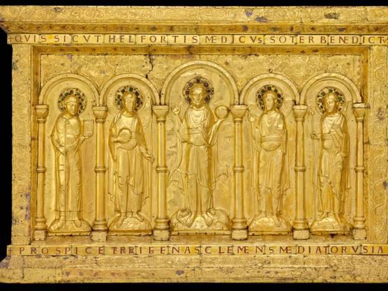 """Höhepunkt der Ausstellung """"Gold & Ruhm - Geschenke für die Ewigkeit"""" ist die tausendjährige goldene Basler Altartafel, die jetzt zur Sammlung des Musée de Cluny in Paris gehört."""