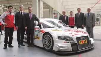 Die Solothurnerin Rahel Frey (3. vr.) freut sich, dass Audi ihren Vertrag verlängert hat, und will in ihrer zweiten DTM-Saison durchstarten. ZVG/Audi