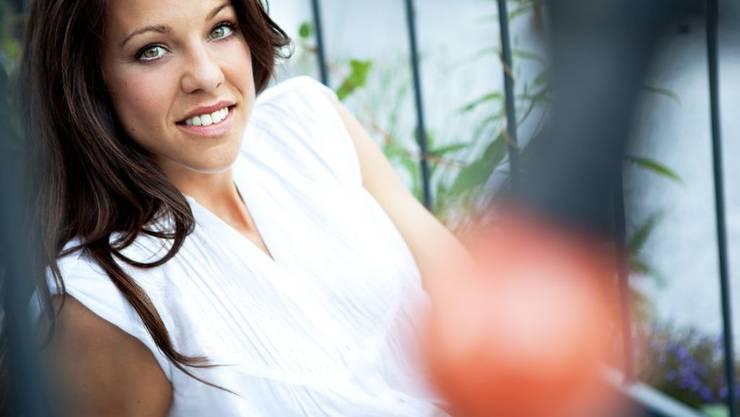 Moderatorin und Schauspielerin Kiki Maeder achtet auf ihr Äusseres: Bei anderen sind ihr spannende Geschichten aber wichtiger als die Fassade. (Pressebild)