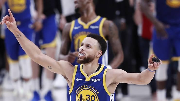 Angeführt von einem überragenden Stephen Curry ziehen die Golden State Warriors mit einem Sweep in den NBA-Final ein