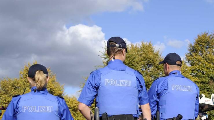 Eine Polizeipatrouille versuchte noch, den Mann wiederzubeleben (Symbolbild)