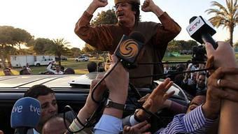Vor dem AU-Treffen: Gaddafi zeigt sich vor Medienvertretern siegessicher
