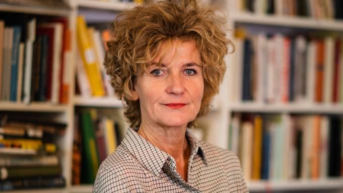 Die Basler Autorin Sandra Hughes schickt für ihr Krimi-Debüt eine Baselbieter Polizistin ins Tessin.
