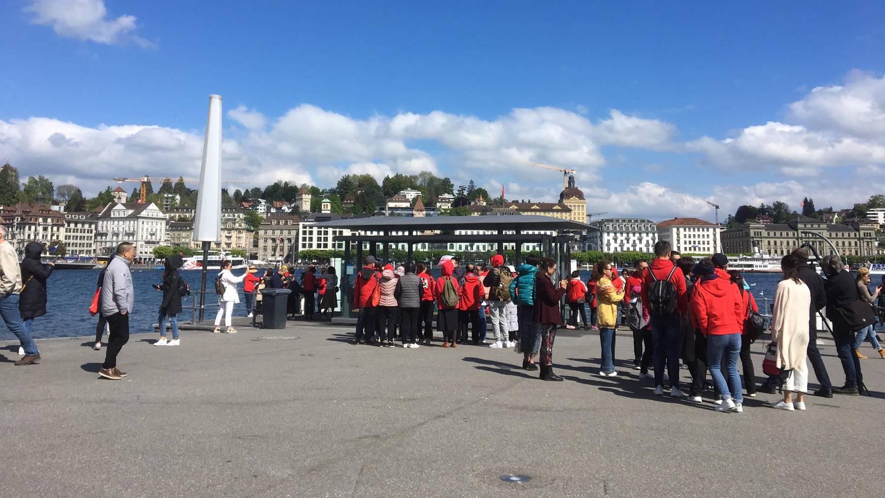 4000 chinesische Touristen klappern Luzern ab