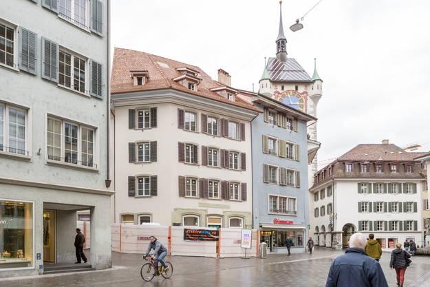Das ehemalige Reformhaus an der Weiten Gasse (Weisses Haus mittig im Bild).