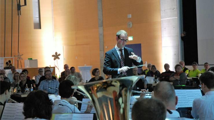 Dirigent Michel Byland leitete das Filmmusikprojekt. Uwe Melzer