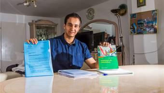 Der Briefverkehr mit dem Migrationsamt und die Vorbereitung auf sein Zahnmedizinstudium – das sind derzeit die Beschäftigungen von Musab Elkour.
